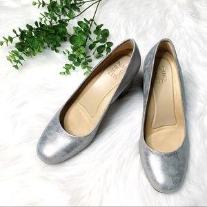 Naturalizer Silver Block Heel Pump 8.5 WIDE Width
